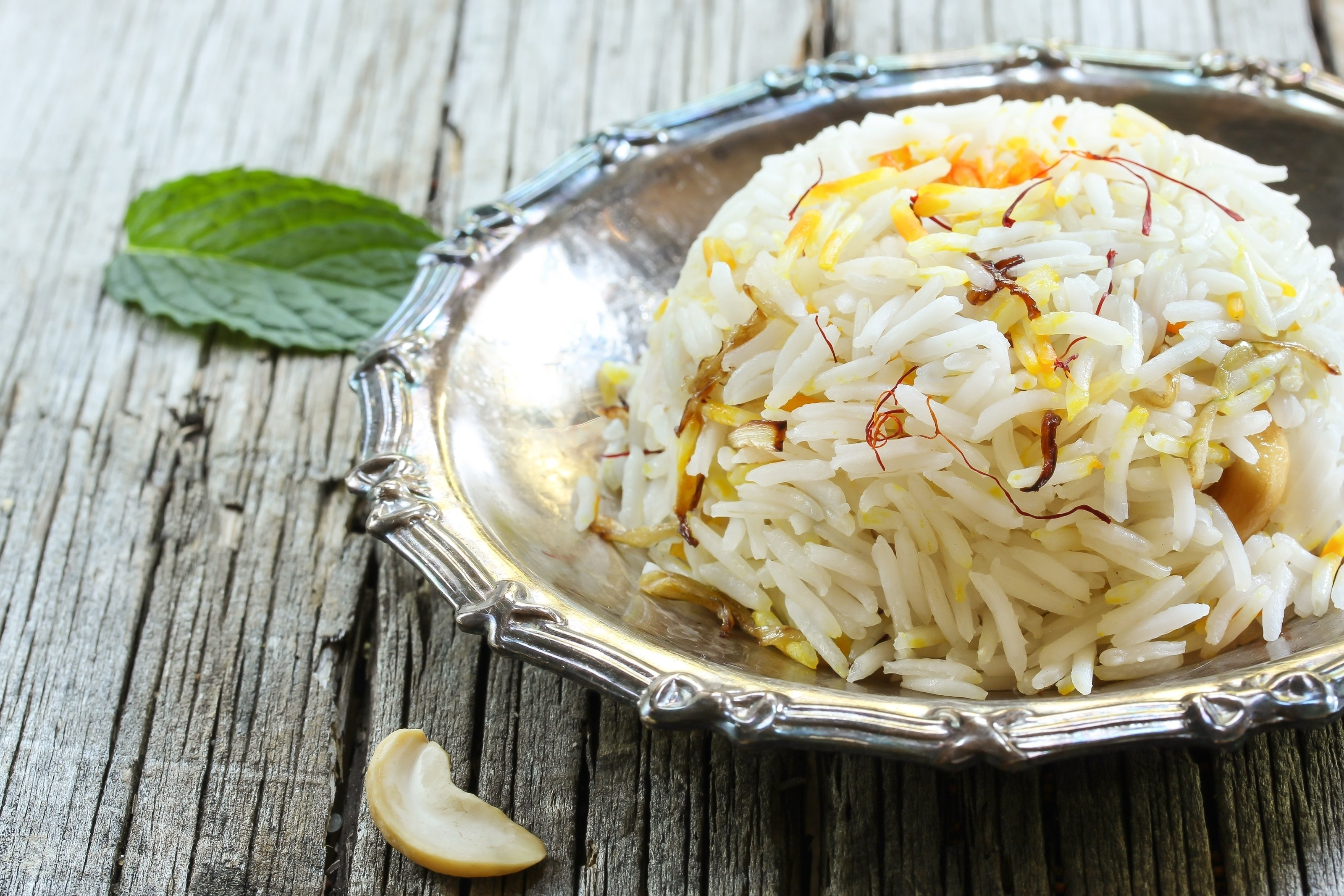 What Does Saffron Taste Like? How To Use It In Cooking