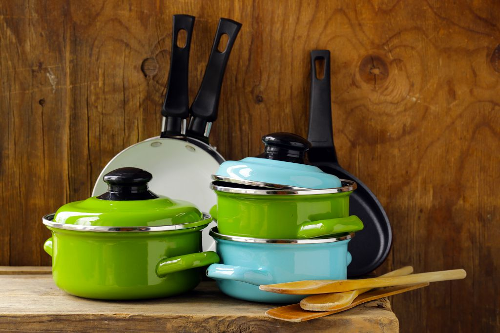 Cookware sets in the kitchen
