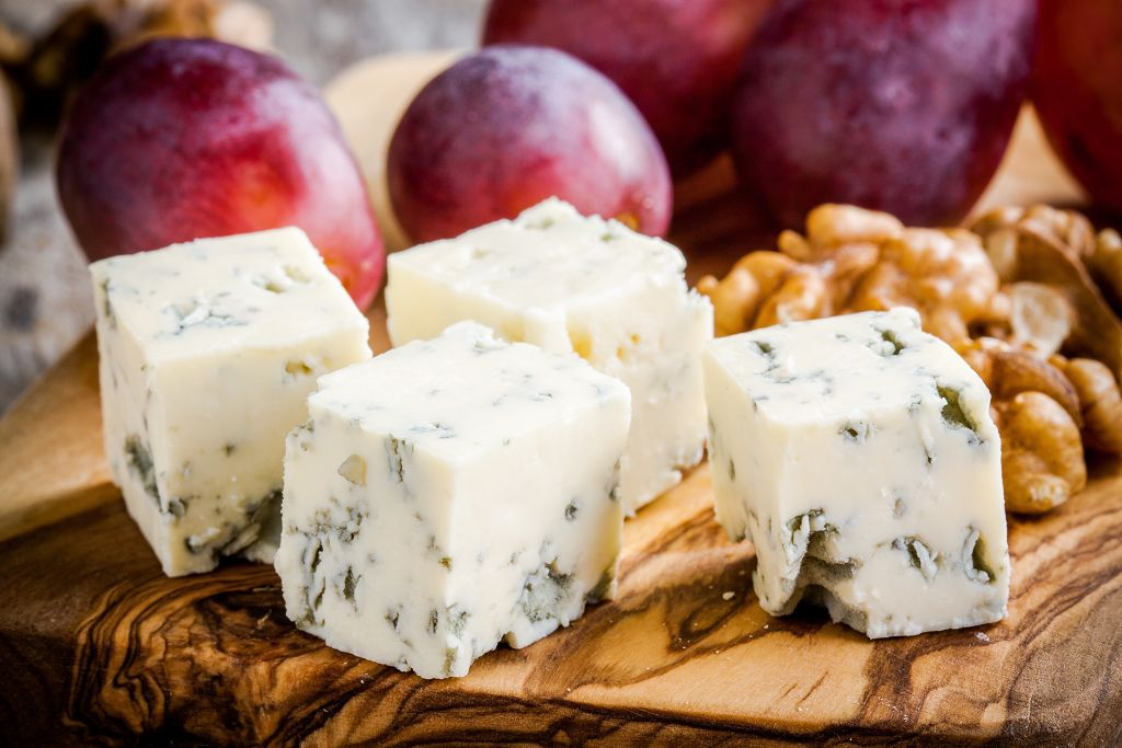 Blue Cheese, grapes and walnuts
