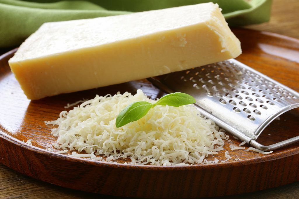 the-seven-best-parmesan-cheese-substitutes