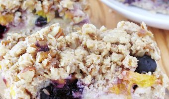 Quinoa, Oat And Pecan Blueberry-Peach Crumb Bars #Sundaysupper #Glutenfree