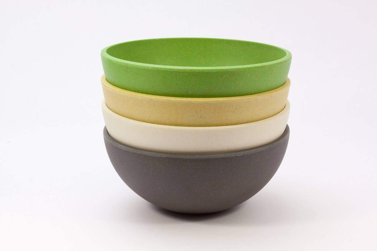 a stack of bowls