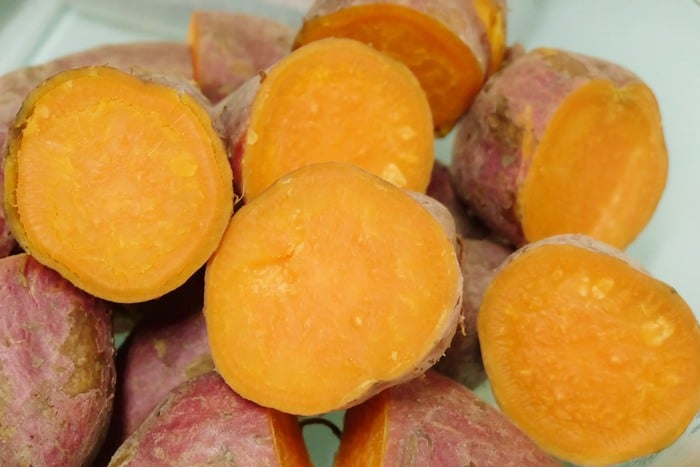 Sliced boiled sweet potatoes