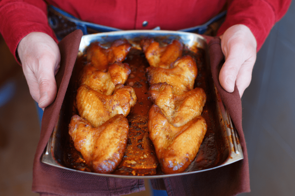 The Best Way to Reheat Chicken Wings - Oven Cooking