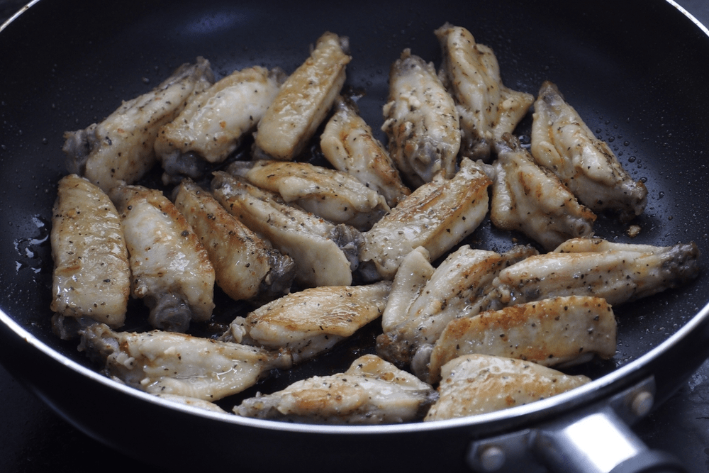 The Best Way to Reheat Chicken Wings - Sauté