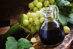 How to Make a Substitute for Balsamic Vinegar