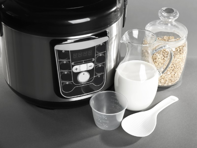 Cook Oatmeal in a Rice Cooker